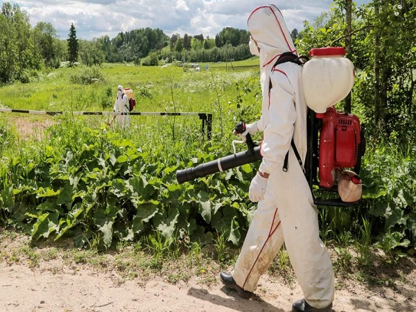 Гербицидная обработка поля в Калуге